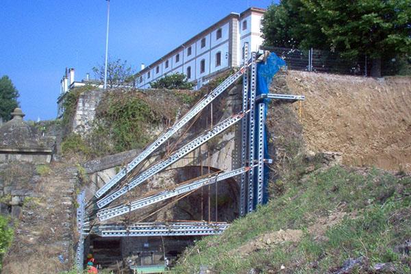 apuntalamiento de talud Ferrol